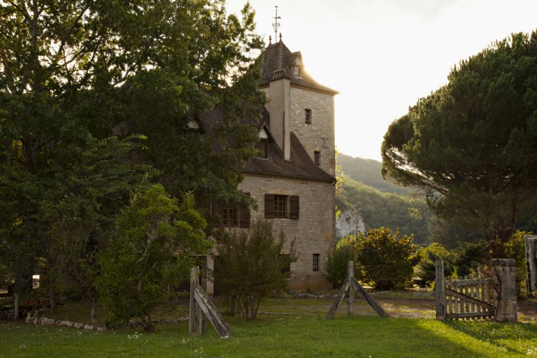 A castle on a farm in Saint Cirq Lapopie